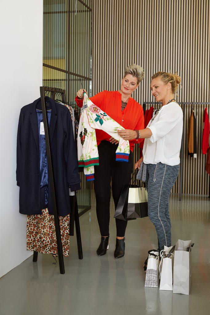 En Shoppingtur er hjælp til forskellige outfits der passer til dig bedst